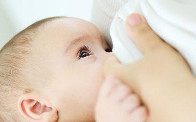 Que cuidados devem as mamãs ter quando estão a amamentar