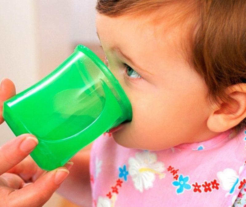 Qual a importância do copo, no desenvolvimento do meu bebé?